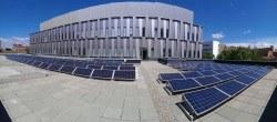 L'edifici Gaia de la UPC estalvia 6.000 € anuals en electricitat gràcies a una planta solar instal·lada al terrat