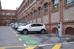 Punt de recàrrega per a vehicles elèctrics al Campus Terrassa